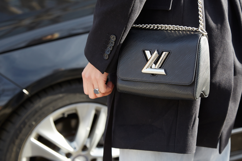 louis vuitton black crossbody epie leather turn lock